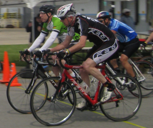 Criterium racing on the Felt 4C
