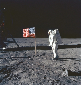 american-flag-on-the-moon