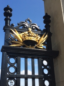 Need proof that the Royals love Pointy Things?  Look at these pointy decorations on the Royal Gates.
