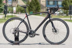 2014-Specialized-S-Works-Roubaix-SL4-Disc-brake-road-bike01