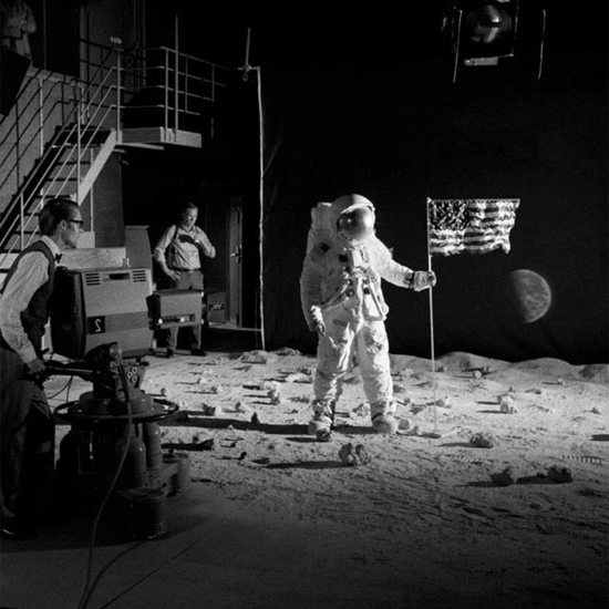 fake-moon-landing-set