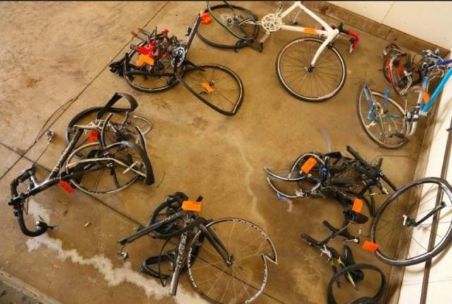 Road bikes crash-800x539