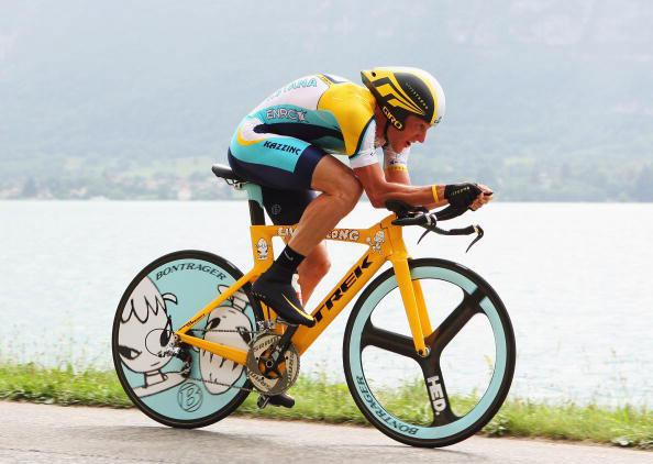 lance-armstrong-Yoshimoto-Nara-trek-bike.jpg