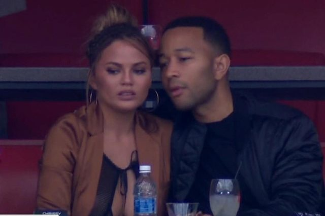 chrissy-teigen-john-legend-super-bowl-02062017-1486395424-640x426
