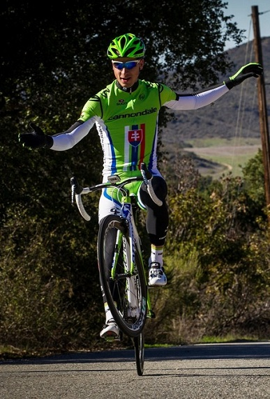 peter-sagan-2013-no-hands-wheelie-resized.jpg